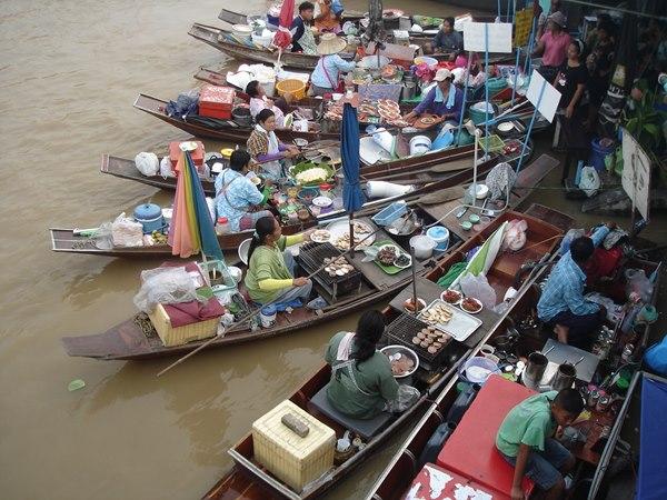 Amphawa floating market, de mooiste drijvende markt van Bangkok