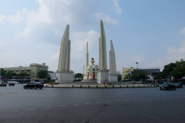 democracy monument Bangkok