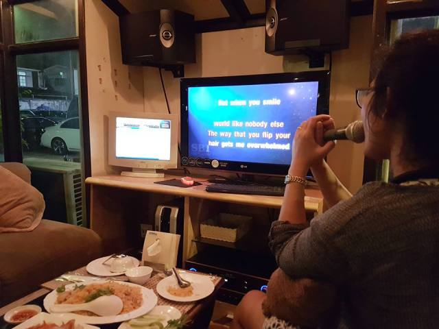 Traditionele Thaise Karaoke