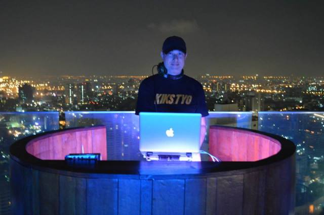 Top dj in Octave rooftop bar, Bangkok, Thailand, Zuid Oost-Azië