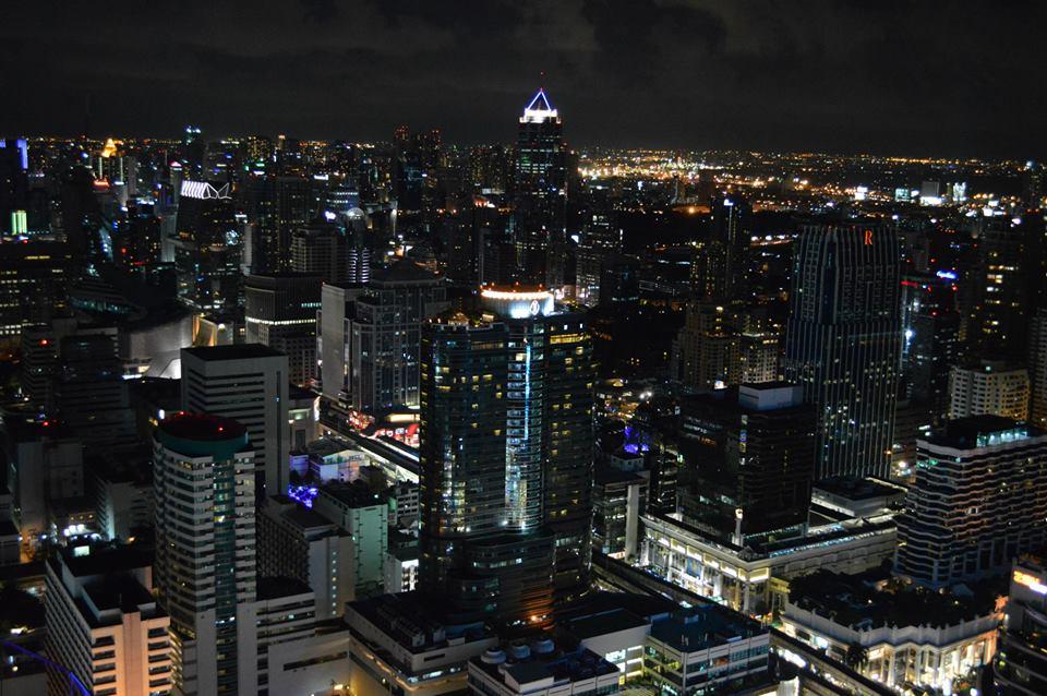 Fantastisch uitzicht op Bangkok vanuit Red Sky Bar, rooftop bar Bangkok, Thailand, Zuid Oost-Aziê
