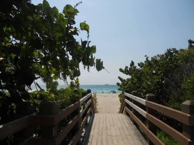Wandelen langs Miami Beach, Florida, Verenigde Staten