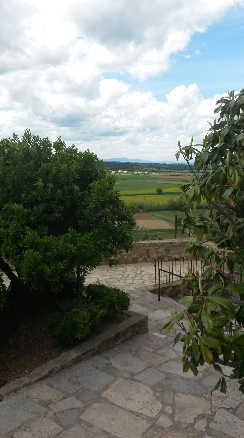 Groene omgeving rond het dorp Pals, Costa Brava, Spanje