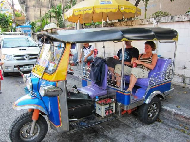 trucs van tuk tuk chauffeurs in Bangkok