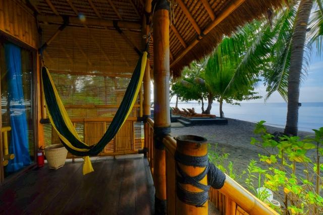 Bungalow met zicht op zee in Rinjani Beach Eco Resort, Tanjung, Lombok, Indonesië, Zuid Oost-Azië
