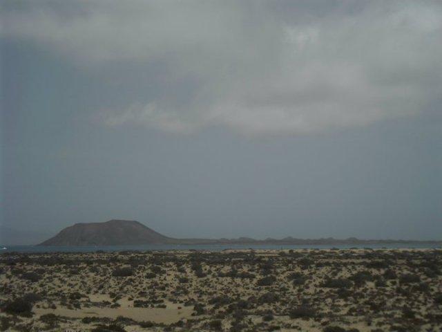 Uitzicht op de zee vanuit het Corralejo National Park, Fuerteventura, Canarische eilanden, Spanje