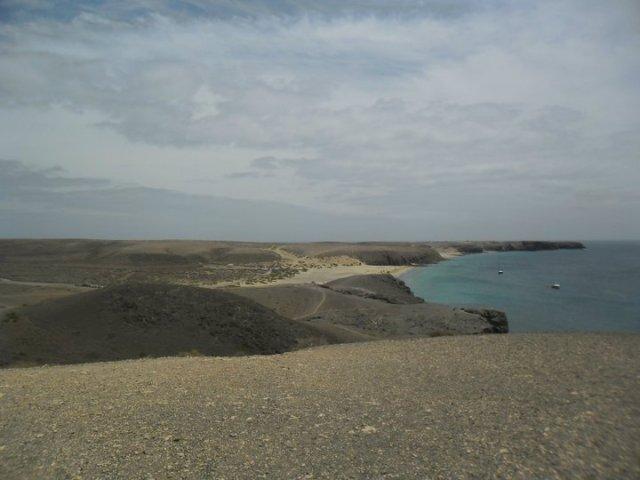 Wandelen naar Punta del Papagayo in Lanzarote, Canarische eilanden
