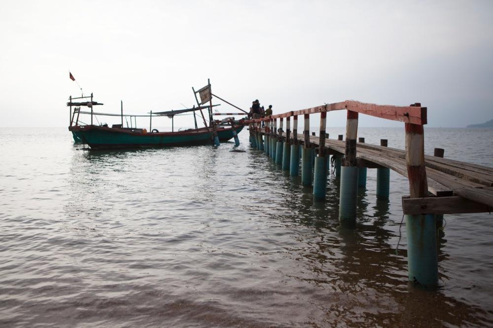 Pier van Kep richting Rabbit Island, Cambodja, Zuid Oost-Azië