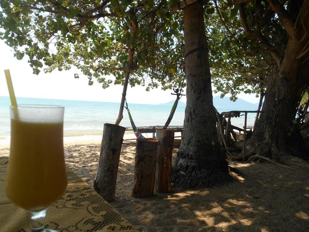 mango juice Rabbit Island, Koh Tonsay, Kep, Cambodja, Zuid Oost-Azië